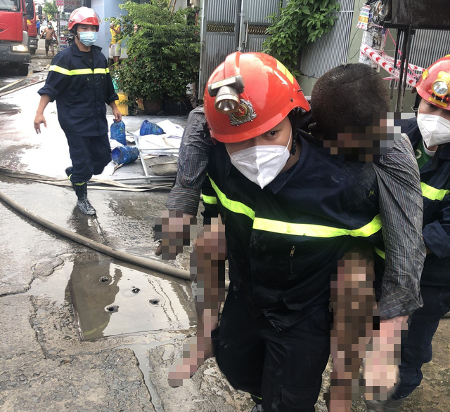 Man dies after causing house fire by burning papers in Ho Chi Minh City