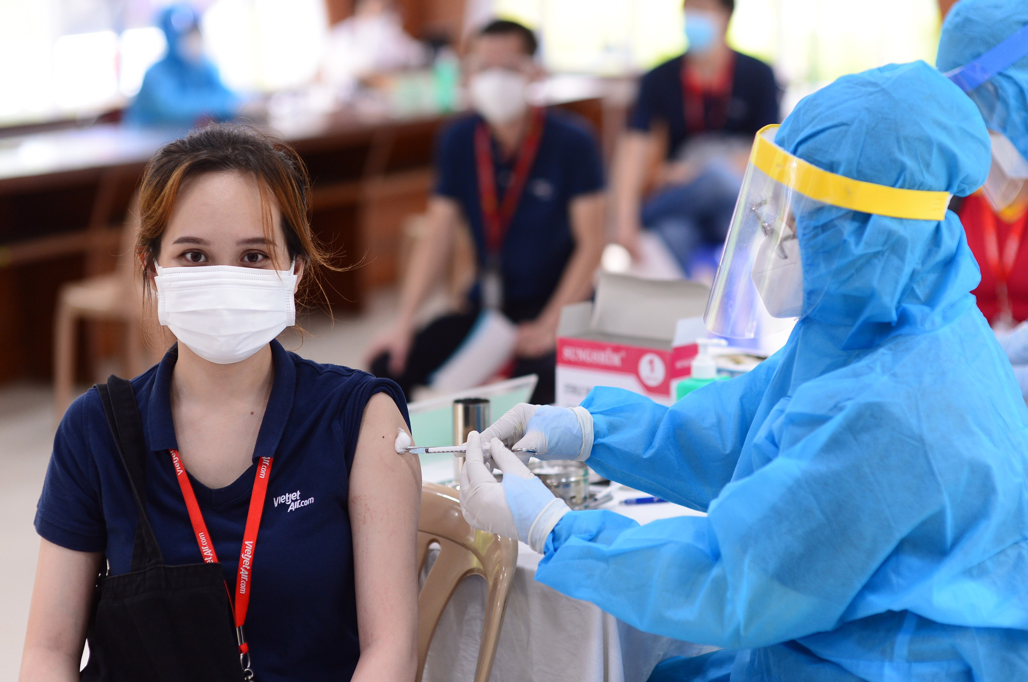 Ho Chi Minh City mulls over 'vaccine green pass' scheme