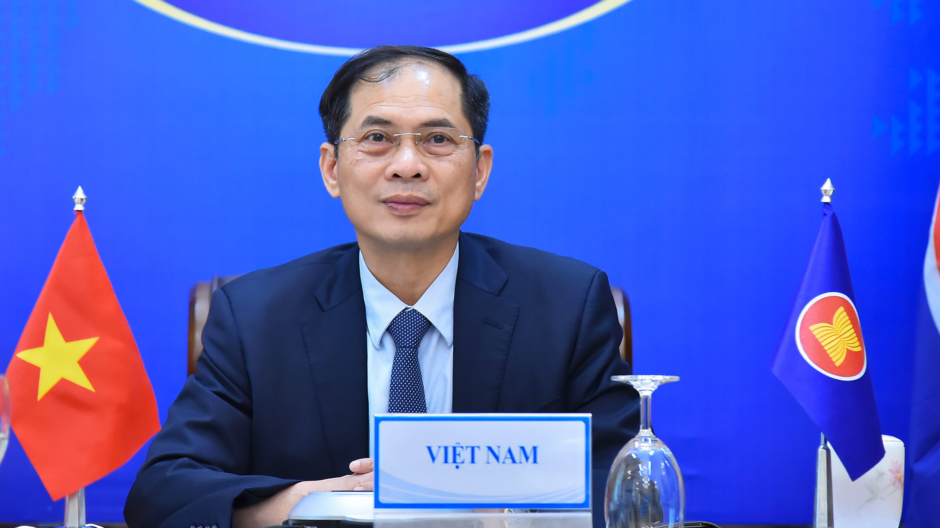 Vietnam seeks donations, transfer of unused COVID-19 vaccines from Singapore