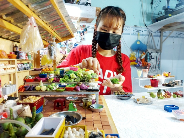 Mekong Delta woman pays homage to native cuisine with clay miniatures