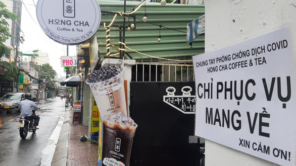 Ho Chi Minh City allows restaurants to resume takeout service after two months