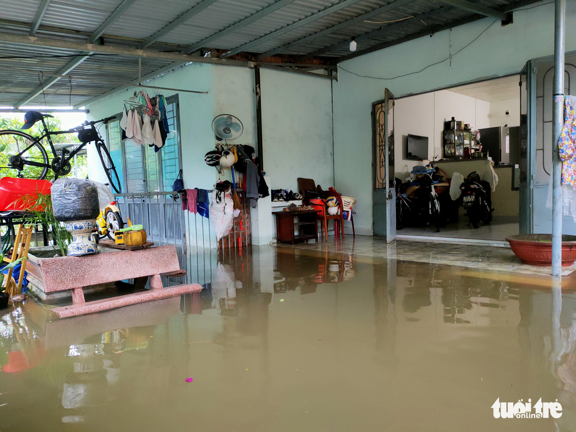 A house is submerged in Quang Nam Province, Vietnam, September 12, 2021. Photo: Le Trung / Tuoi Tre