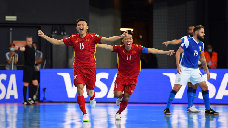 Vietnam's Khong Dinh Hung (15) celebrates his goal in their Group D opener against Brazil at the FIFA Futsal World Cup Lithuania 2021 on September 13, 2021. Photo: Asian Football Confederation