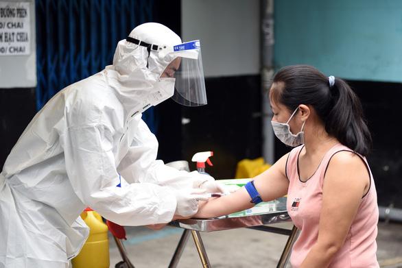 Vietnam reports 10,508 new coronavirus cases in 33 provinces, cities