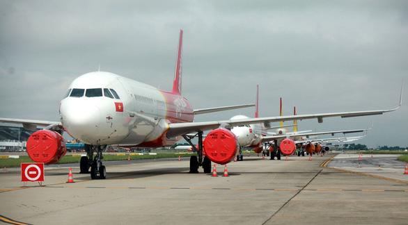 Vietnam aviation authority suggests resuming domestic flights