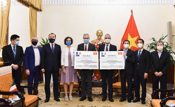 Vietnam receives nearly 1.5 million COVID-19 vaccine doses from France, Italy