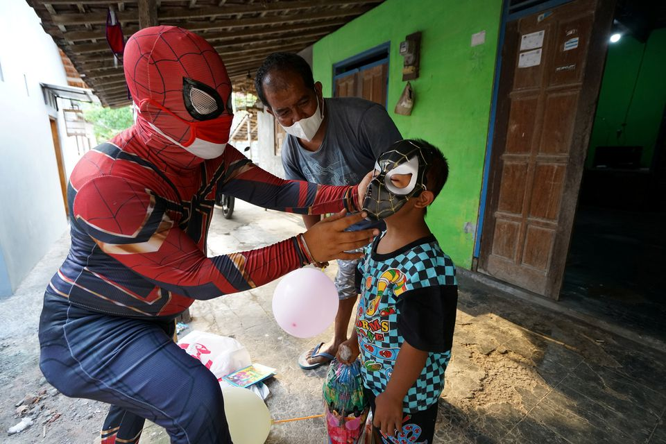 Have no fear, Indonesia's 'Super-isoman' is here to help in the pandemic