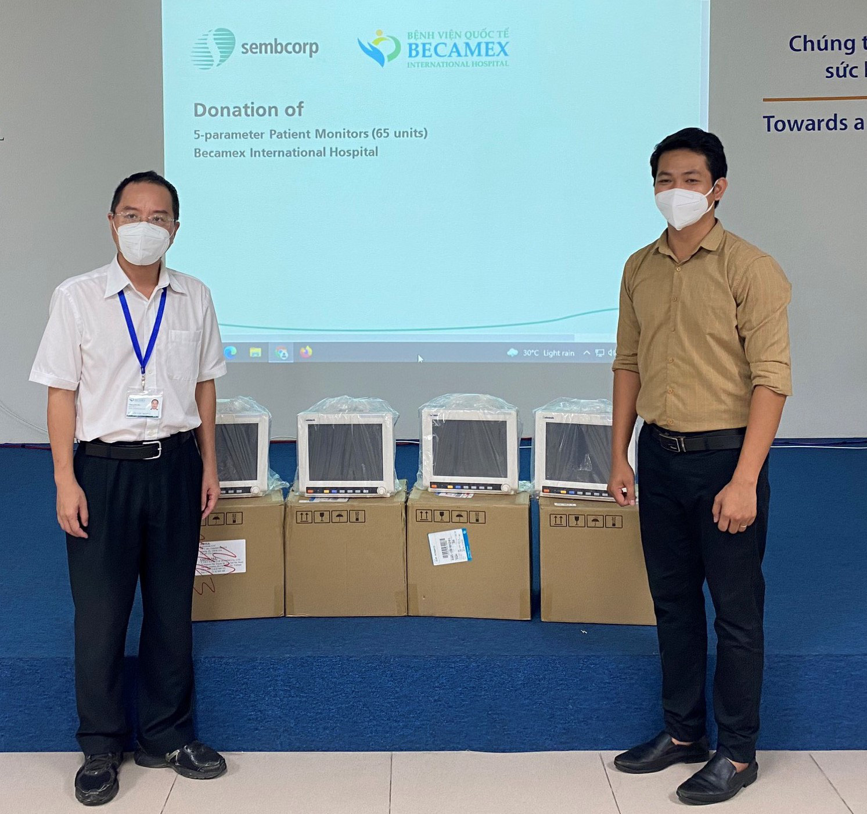 Singaporean investor donates medical supplies worth $741,000 to Vietnam's Binh Duong