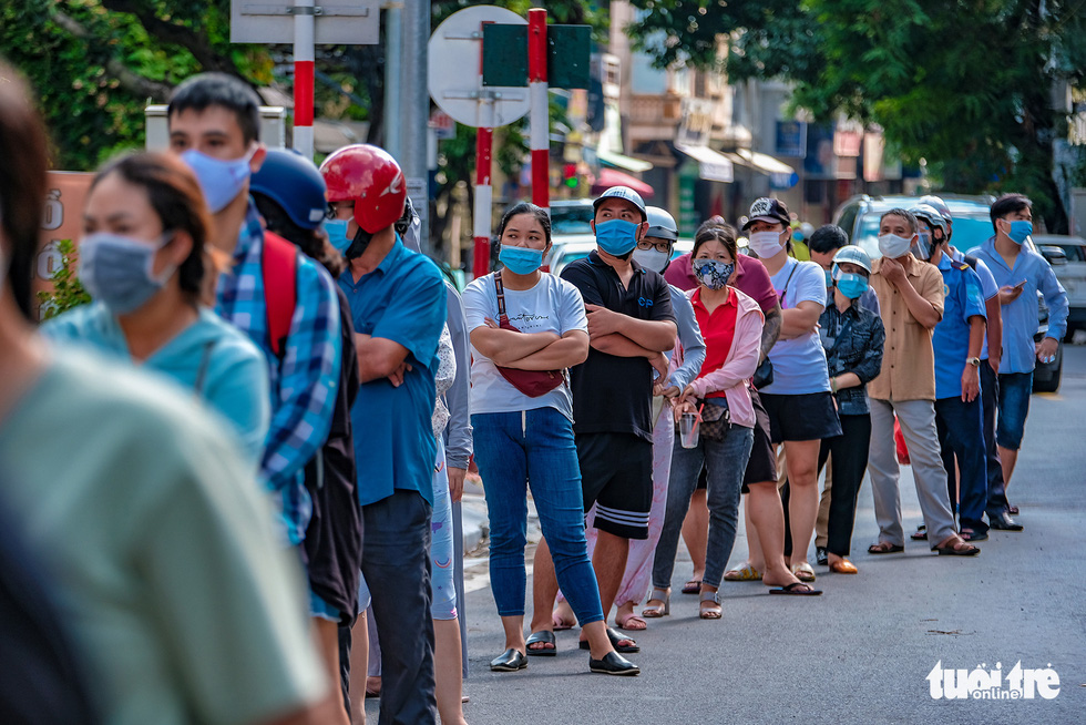 As social distancing rules ease, Hanoians queue up for artisan mooncakes
