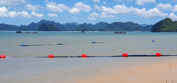 Vietnam's Ha Long City reopens beaches as 90% of adults got COVID-19 vaccination