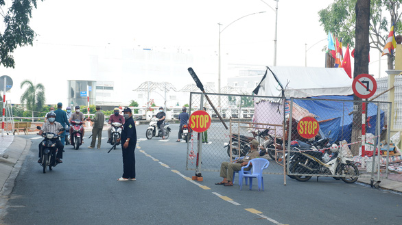 One of the last COVID-19 checkpoints in Tan An City of Long An Province, September 21, 2021. Photo: Son Lam / Tuoi Tre