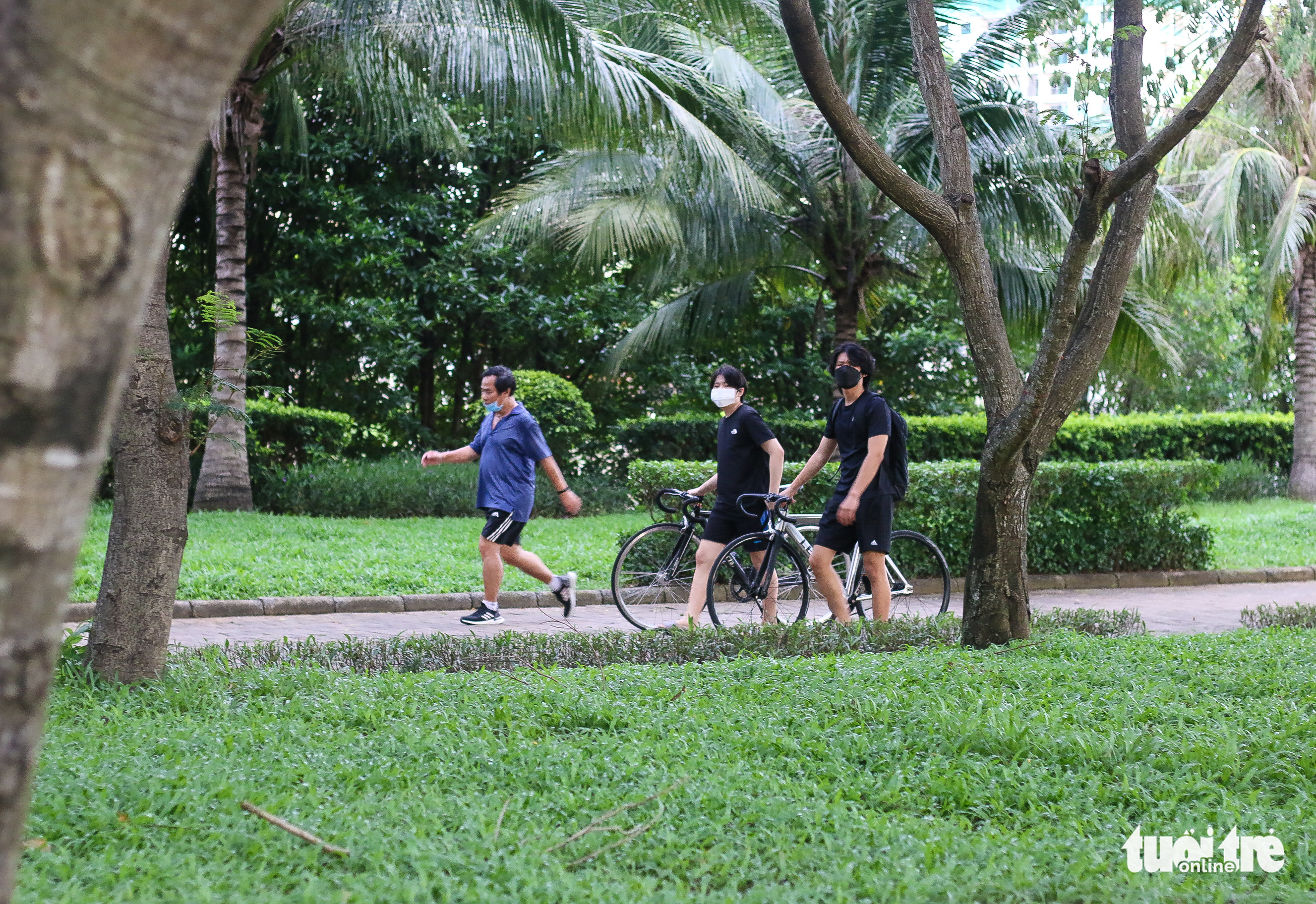 People enjoy outdoor exercise in Ho Chi Minh City's low-risk district