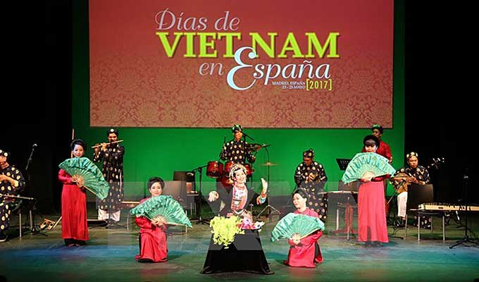 A Vietnamese folk art performance at a Vietnam Days in Spain event in 2019. Photo courtesy of Vietnam News Agency.