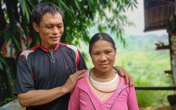 Vu Gia Po (left) and his wife Ly Thi Lia at their home in Ha Giang Province, Vietnam. Photo: V.T. / Tuoi Tre
