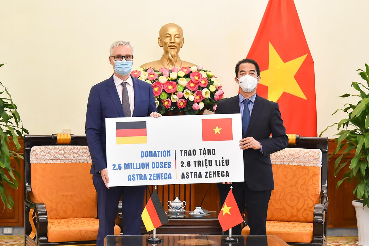 Germany donates additional 2.6 million AstraZeneca COVID-19 vaccine doses to Vietnam