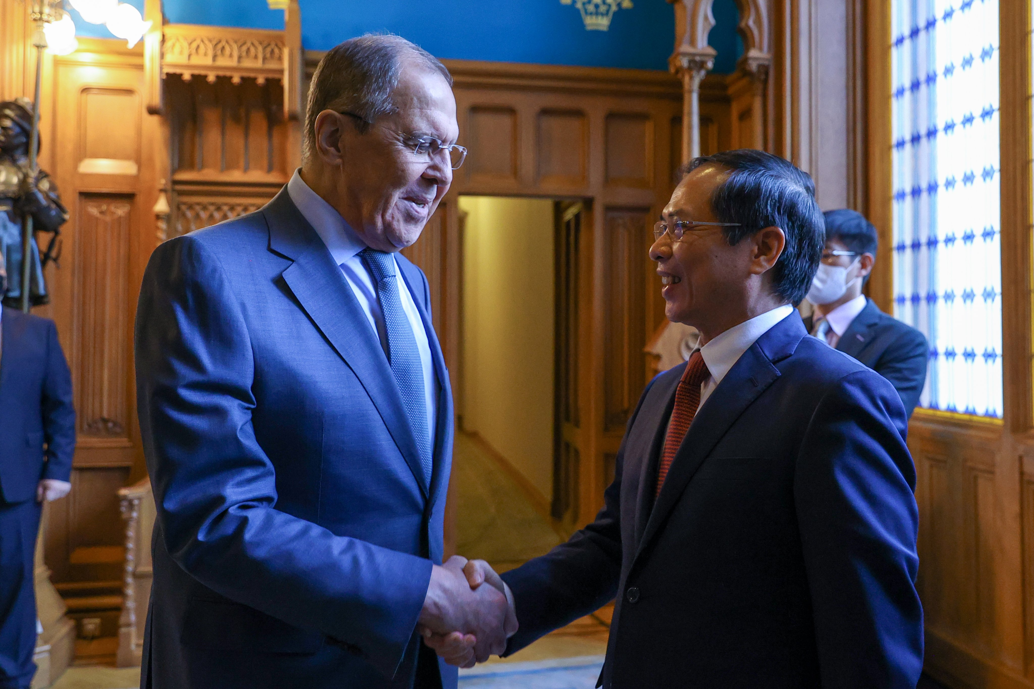 Vietnam seeks Russia's support in COVID-19 vaccine productiontechnology transfer