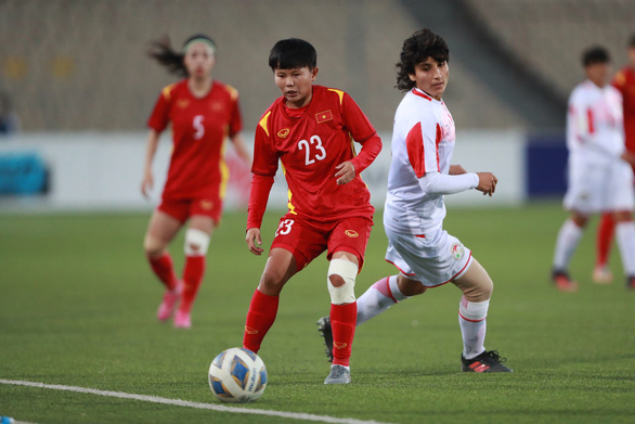 Vietnam's midfielder Bich Thuy in action during their match against Group B hosts Tajikistan at the AFC Women's Asian Cup India 2022 Qualifiers, September 29, 2021. Photo: Vietnam Football Federation