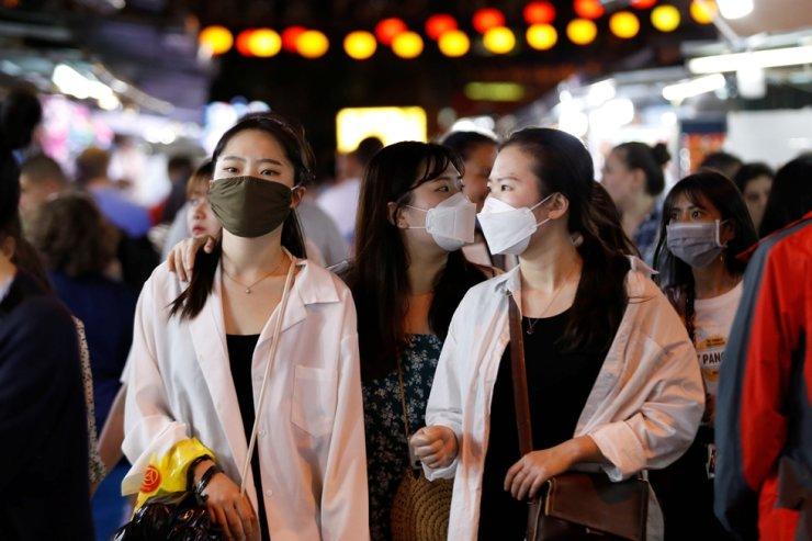Restaurants start welcoming vaccinated customers in Vietnam's Khanh Hoa