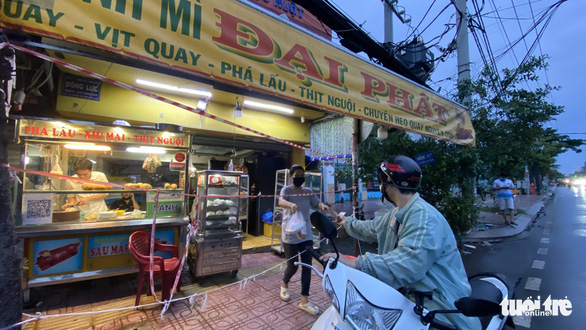Dine-in service in Ho Chi Minh City's low-risk district in the offing