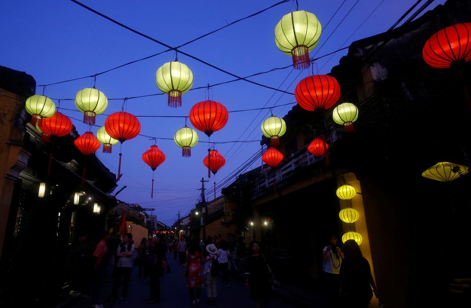 Vietnam to welcome more vaccinated travellers from December