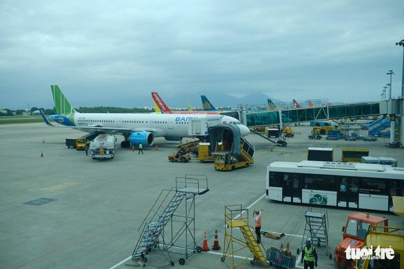 Da Nang mandates 14-day isolation for flight passengers from domestic coronavirus outbreak sites