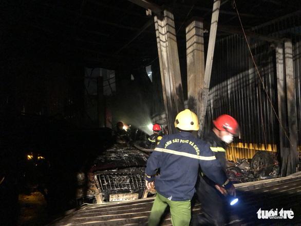 Garage fire burns three luxury cars in Ho Chi Minh City